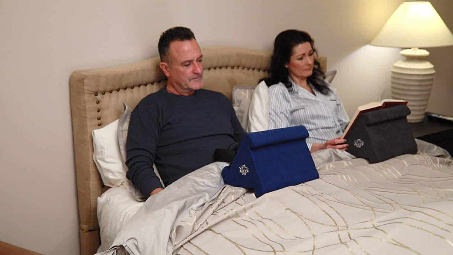 Picture of: Top 10 Best Ipad Pillow Stands In 2020 Reviews Buyer S Guide
