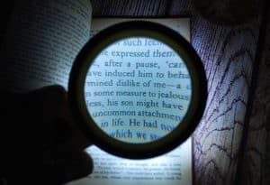 Best Magnifying Glass with Lights in 2020